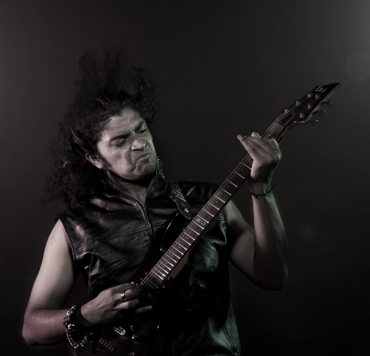 DEMONIC RESURRECTION ANNOUNCE NEW GUITAR PLAYER